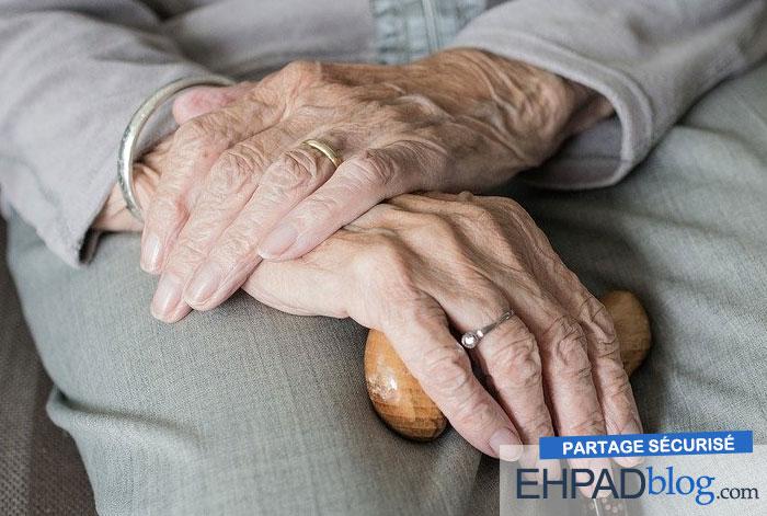Le confinement en ehpad : certains résidents découvrent des activités nouvelles